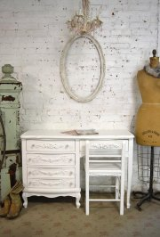 white-pedestal-desk
